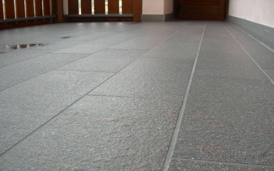 Pavimenti in pietra per esterni abitazione privata