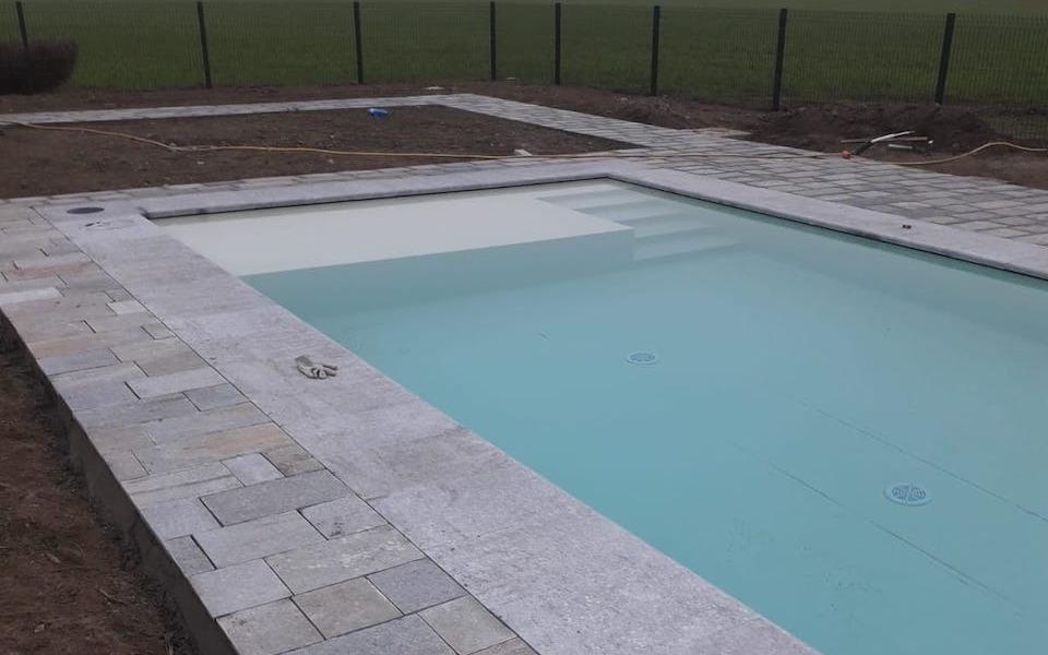 Pavimenti in pietra per piscine abitazione privata